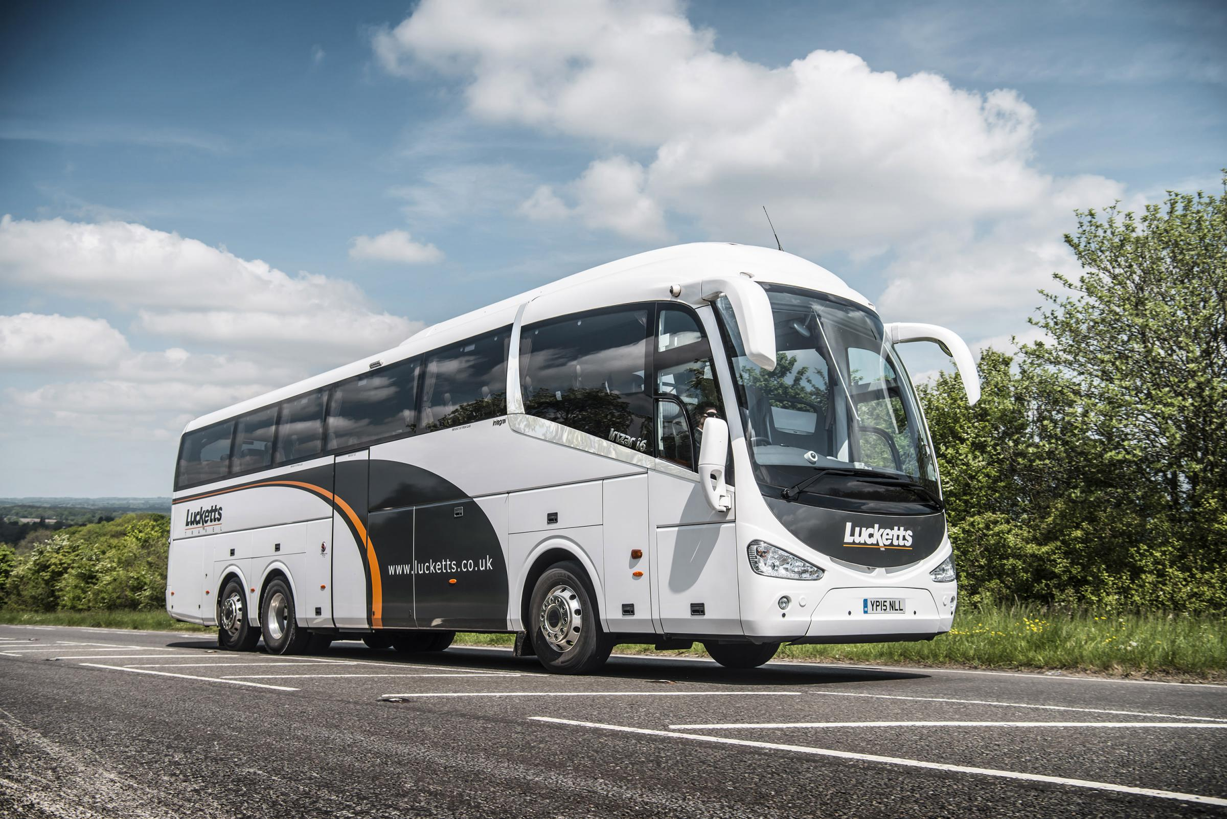 Fareham's Lucketts Travel are to expand by buying Ringwood-based Solent Coaches