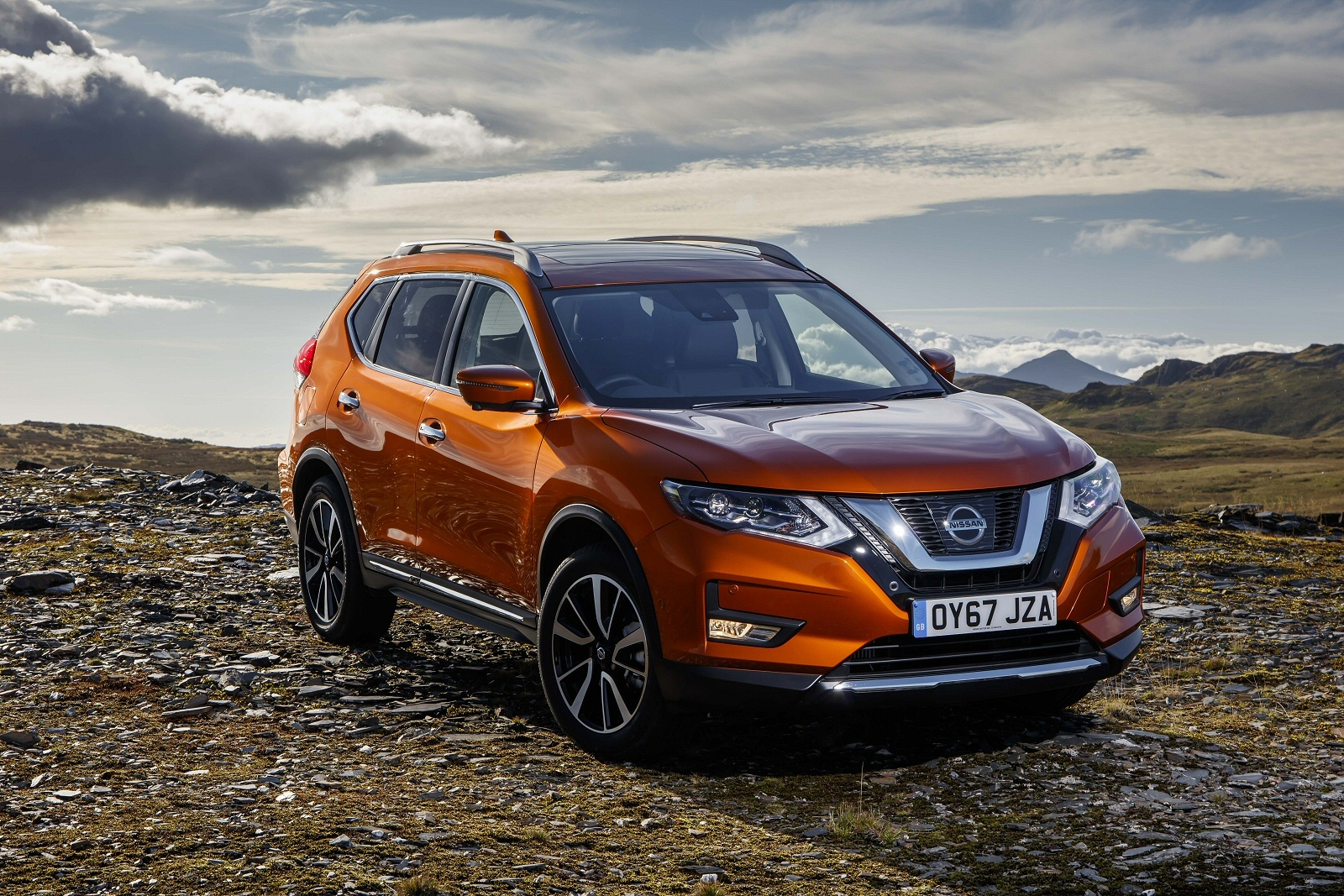 WORLDS TOP SUV HAS ROBUST NEW EXTERIOR DESIGN. Nissan X Trail
