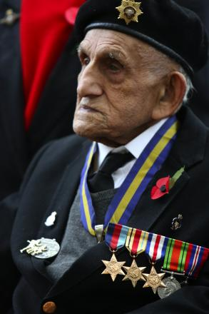 Tributes after death of D-Day veteran