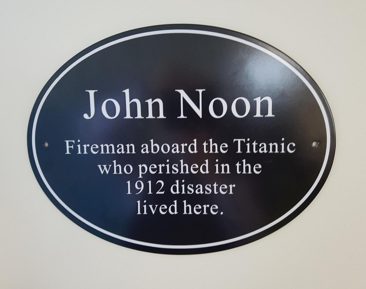 revealed the first of southampton s titanic memorial plaques has