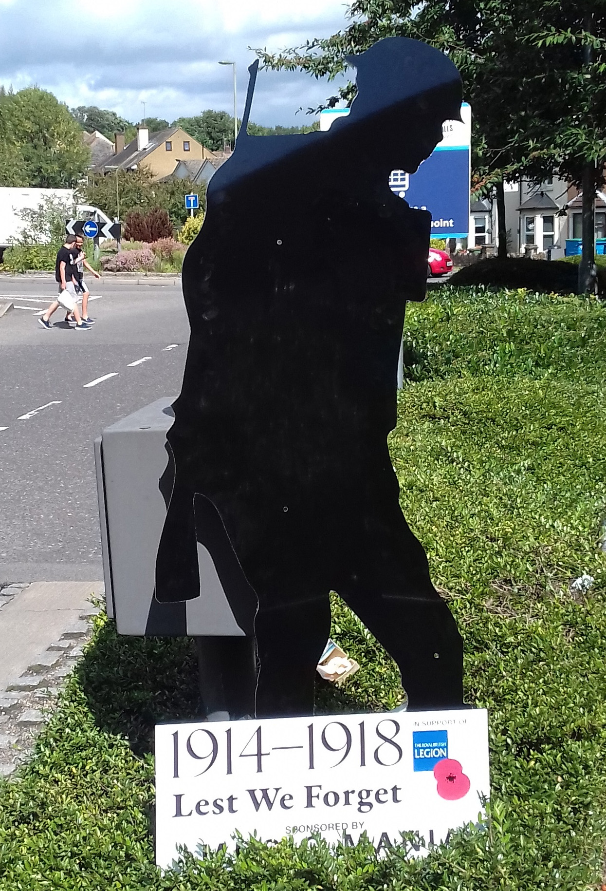 3dfd4a2e52183 Soldier silhouettes to be placed across city to mark end of First World War    Daily Echo