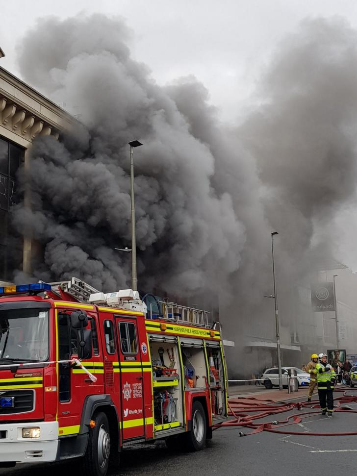 Police Looking For Witnesses In Waterstones Arson Probe Daily Echo