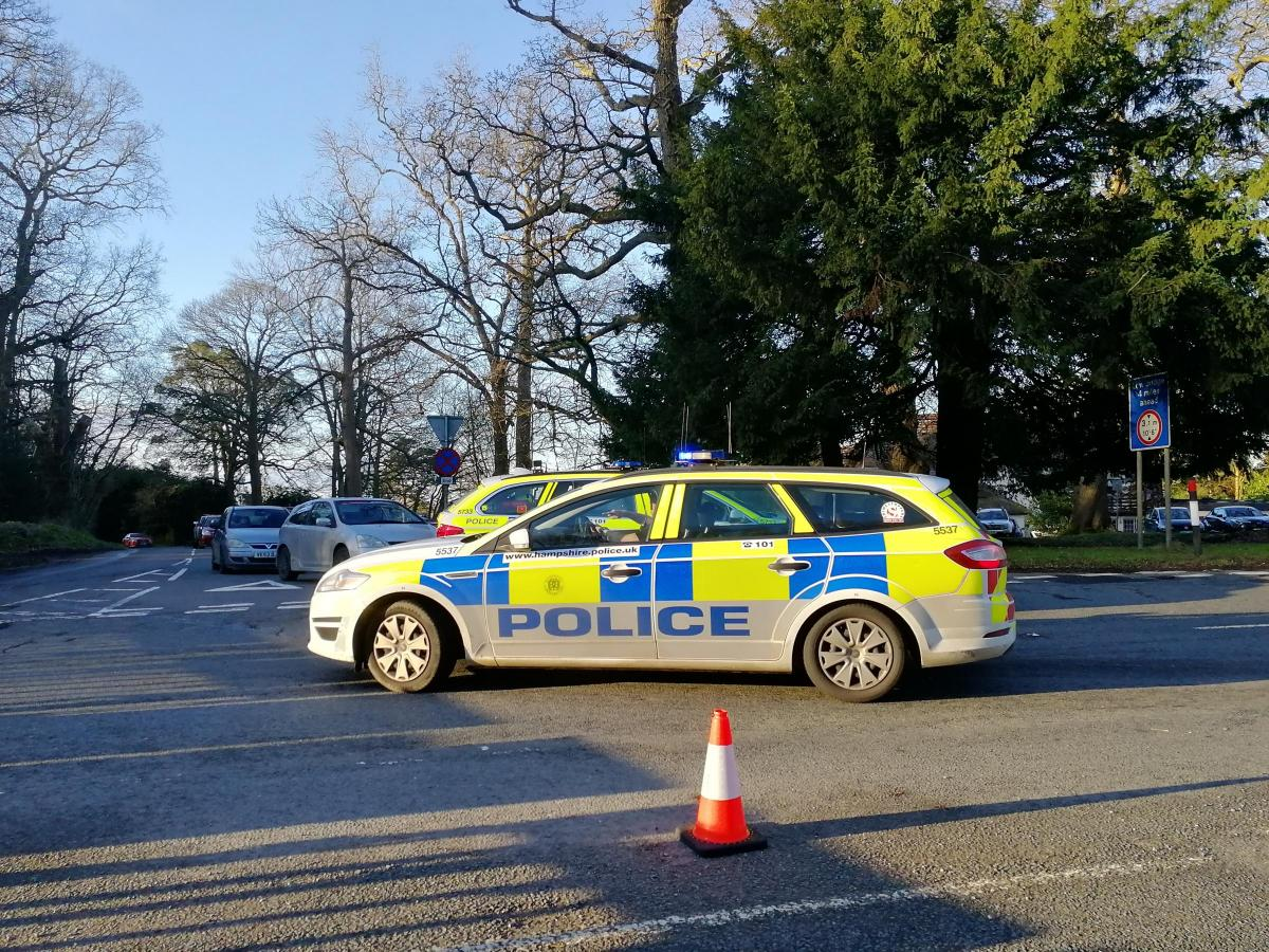 Man Dies After Car Hits Tree In Early Morning Crash Daily Echo