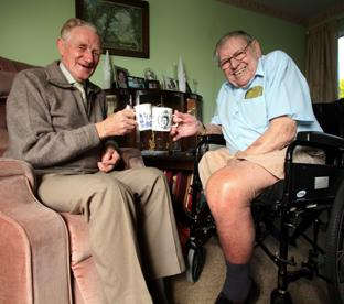 Stan Stovell, left, has a cup of tea and a chat with Ron Collingwood.	Echo picture by Stuart Martin. Order no: 7869951