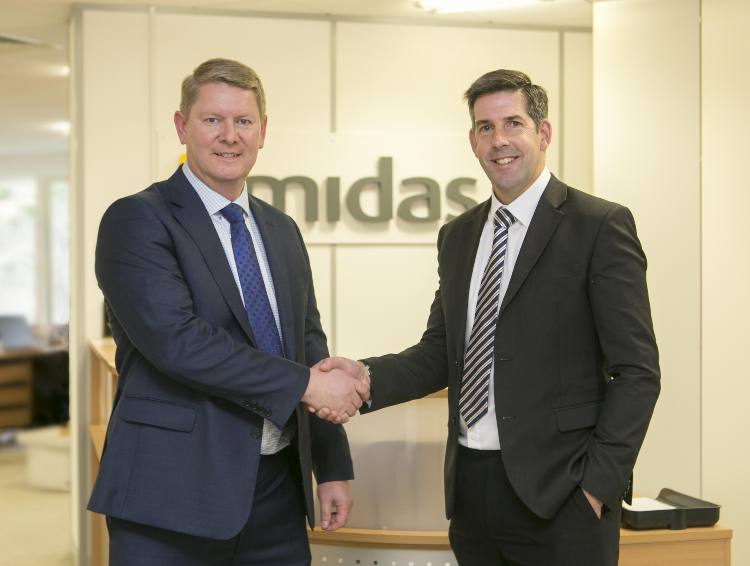 Richard Ellis (left)  is welcomed back to Midas Construction by Peter Whitmore, divisional director for the southern region