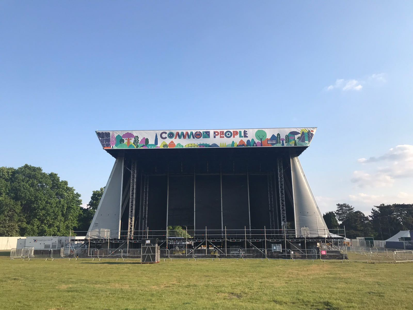 setting up Common People 2018