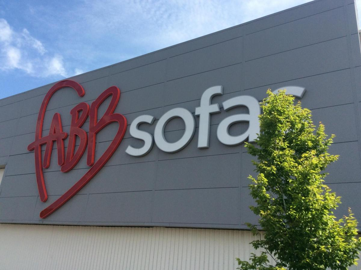 the fabb sofas outlet at hedge end closes with the loss of around