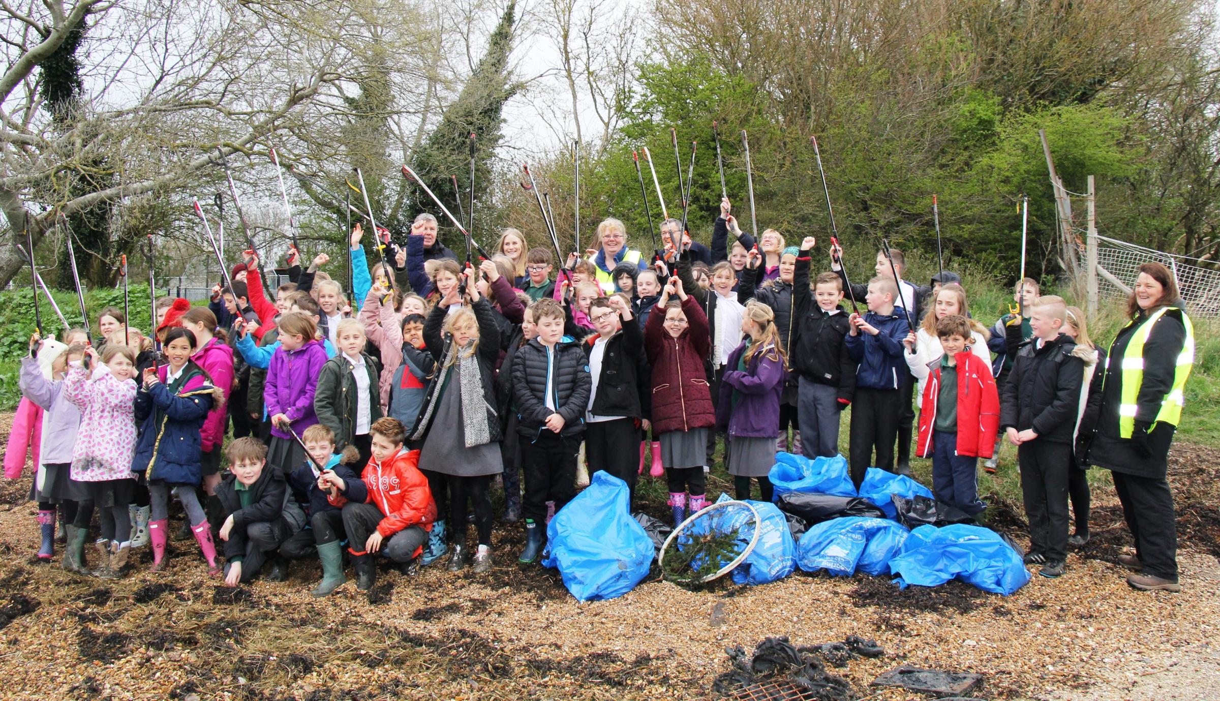 Wicor Primary School pupils took part in a litter pick.