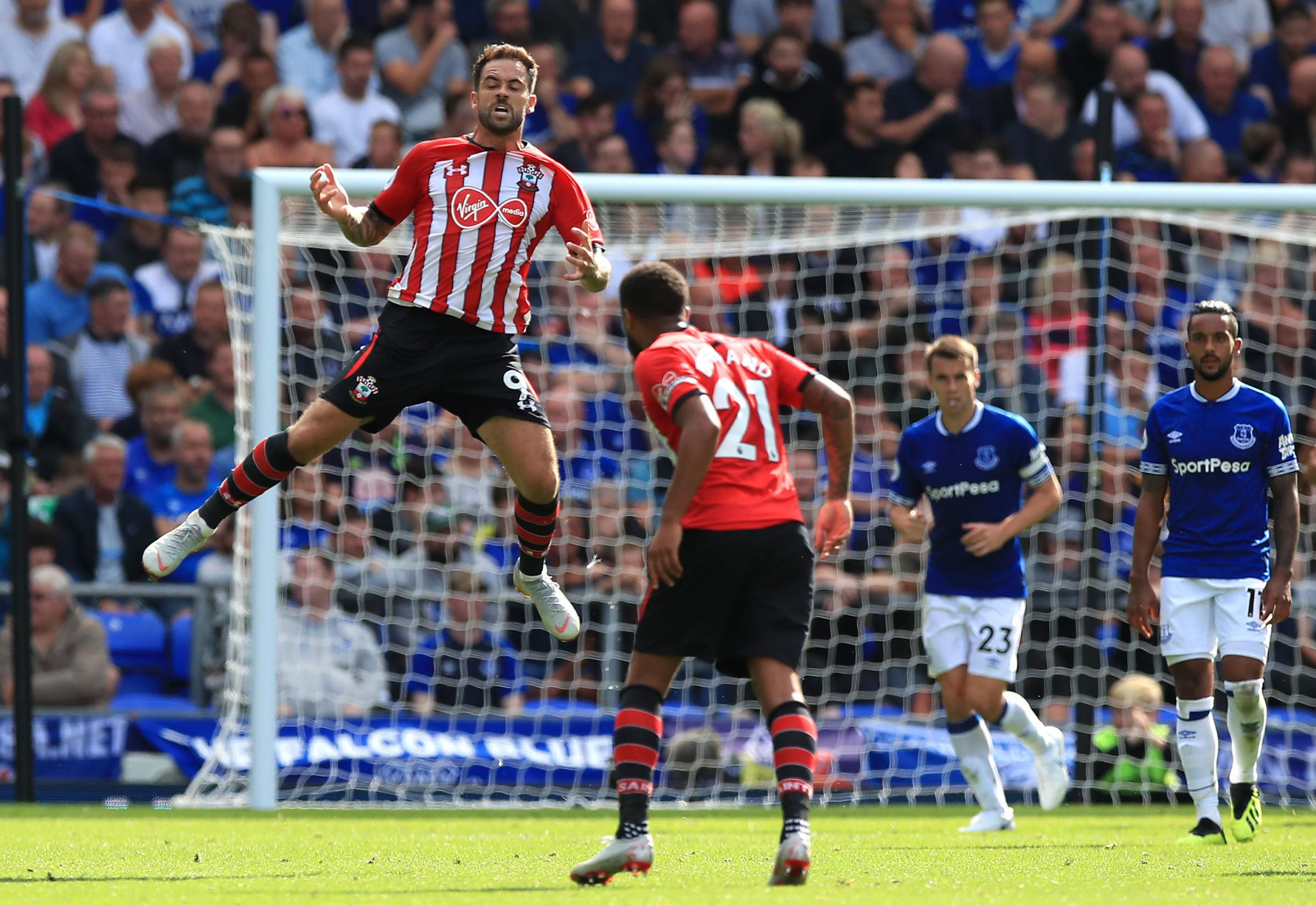 Danny Ings celebrates at Goodison Park