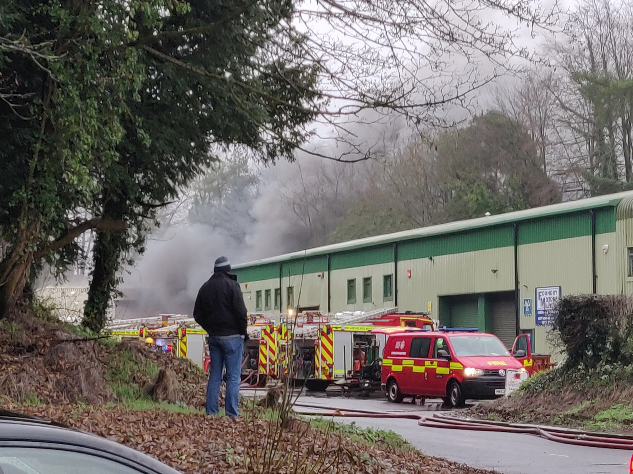 The fire at the industrial units off Wellhouse Lane, near Winchester. Photo: Will Reid/Twitter