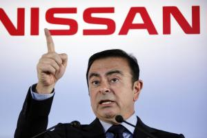 japanese court approves 10 day detention for nissan s ex chairman