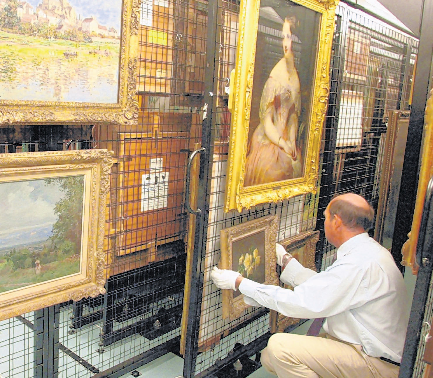City begins to sell off art works