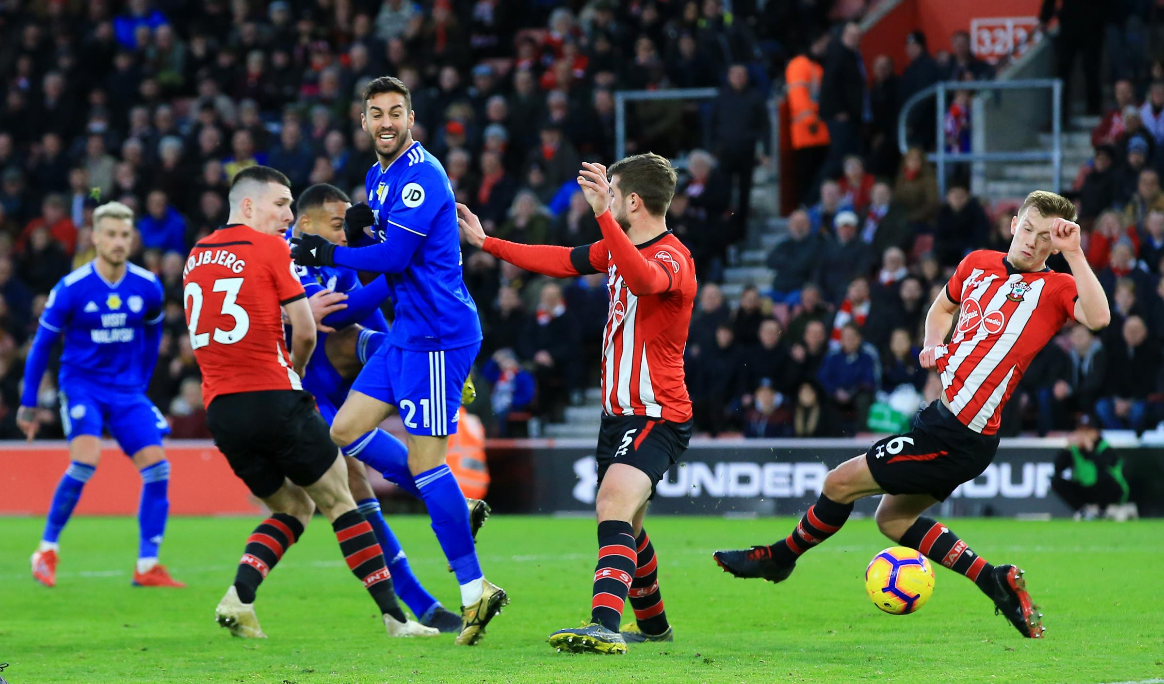 Ken Zohore nets a last-gasp winner for Cardiff