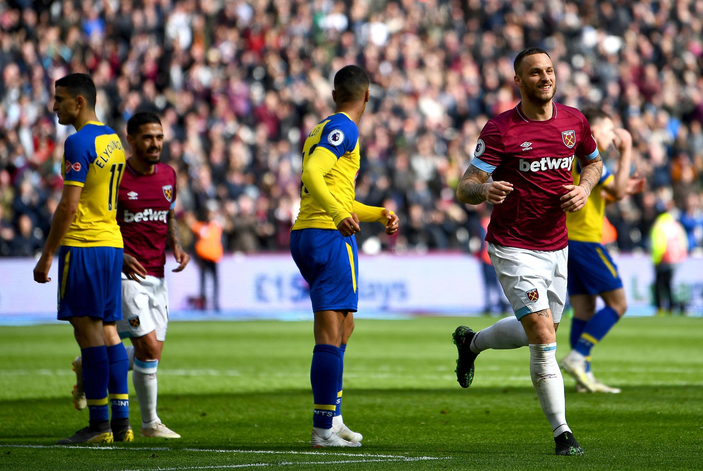 Saints look dejected as Marko Arnautovic scores his second for West Ham