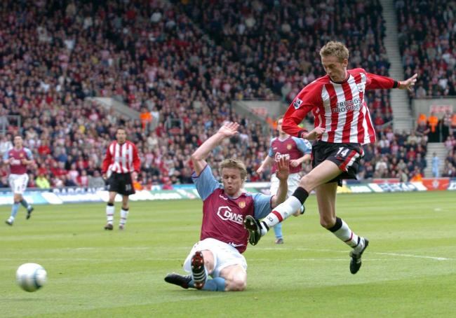 Peter Crouch in action for Saints