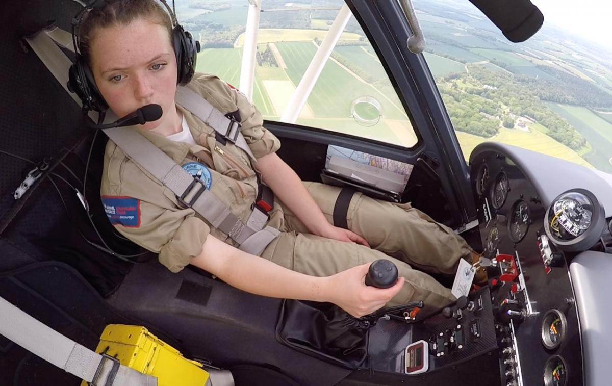 Winchester girl becomes youngest solo pilot at Hampshire